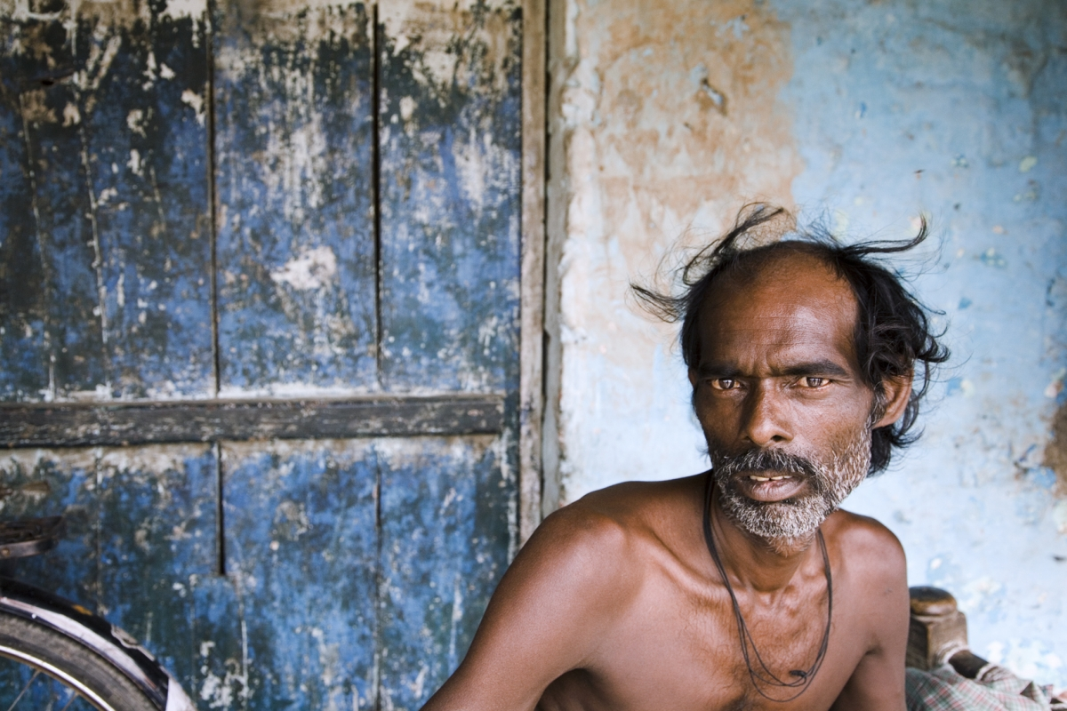 DalitManDwarkaSlum0607 2330 (1)